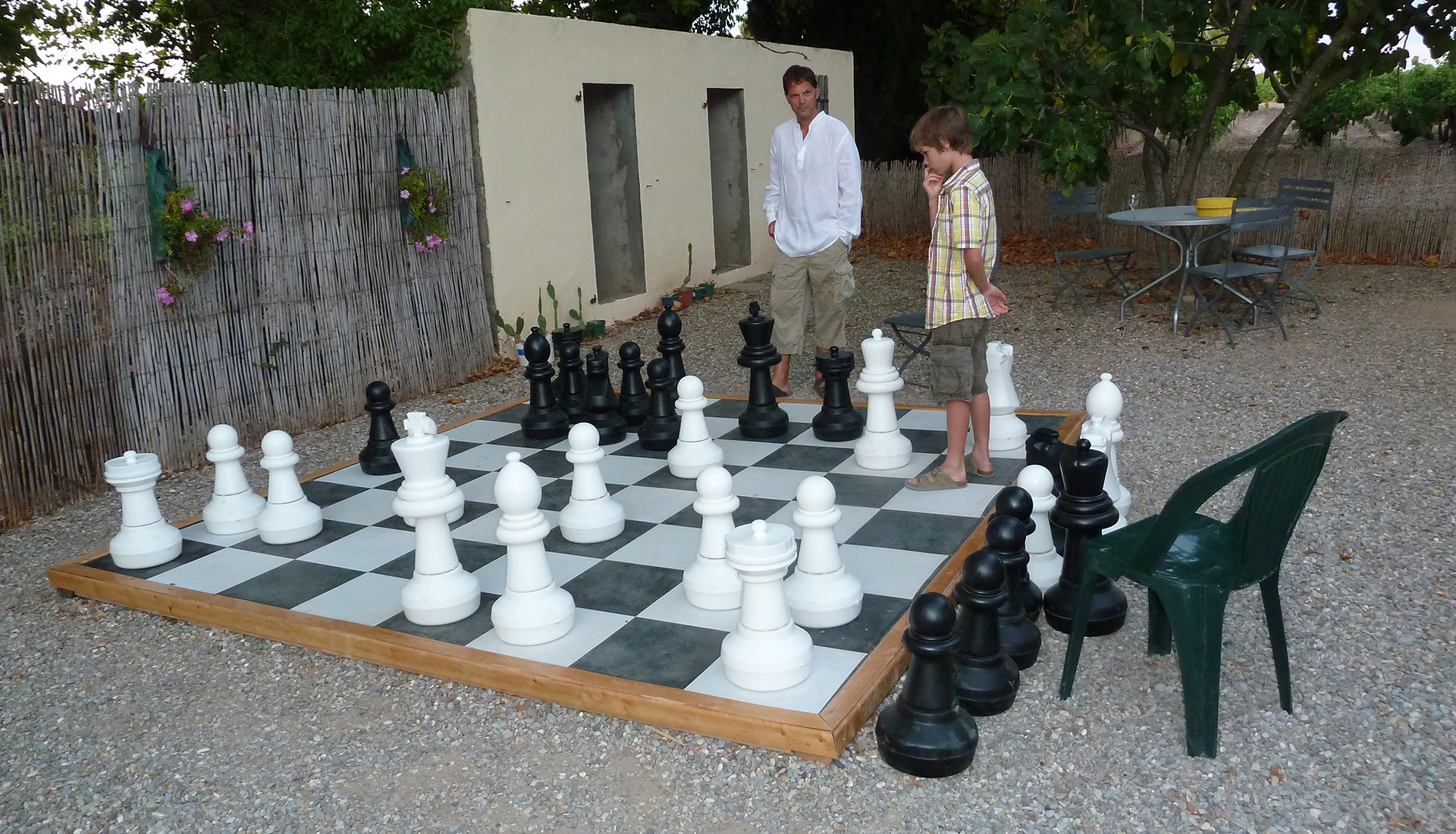 Giant chess at Domaine de Barthe